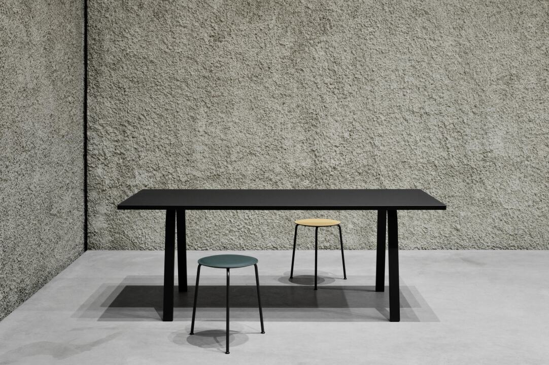 Home office linoleum table with Din legs