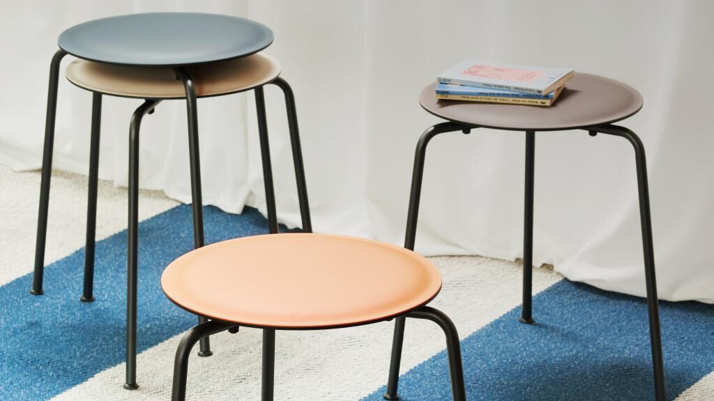 Passend Zu Unseren Tischen U2013 Der RAVIOLI Hocker Mit Softer Linoleum  Sitzfläche.